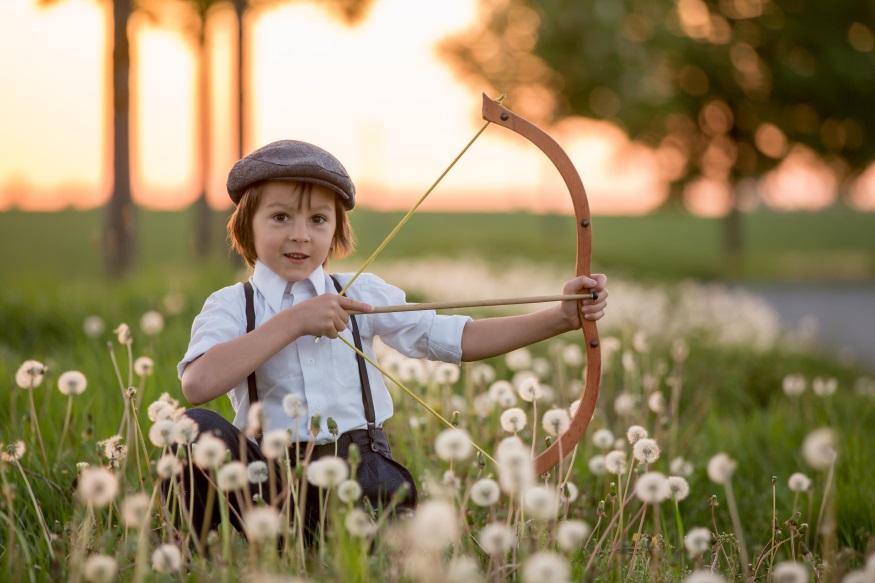 enfants mains apprendre grandir confiance jeunesse éducation jeux couleurs groupe jour robin du bien